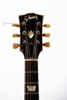Der Hals des Anstosses: Gibsongitarre (c) by rockheim